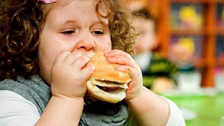 الگوی نادرست تغذیه عامل بروز ۳۰ درصد بیماری هاست