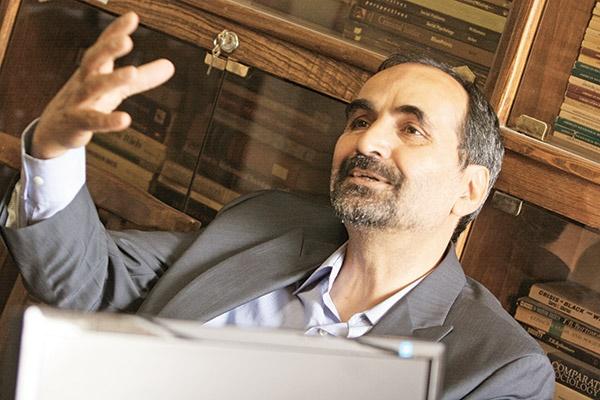 دکتر تقی آزادارمکی