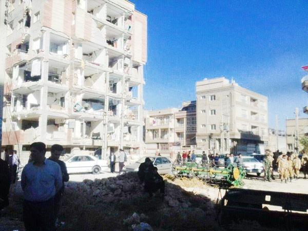 زلزله تفاوت دو ساختمان