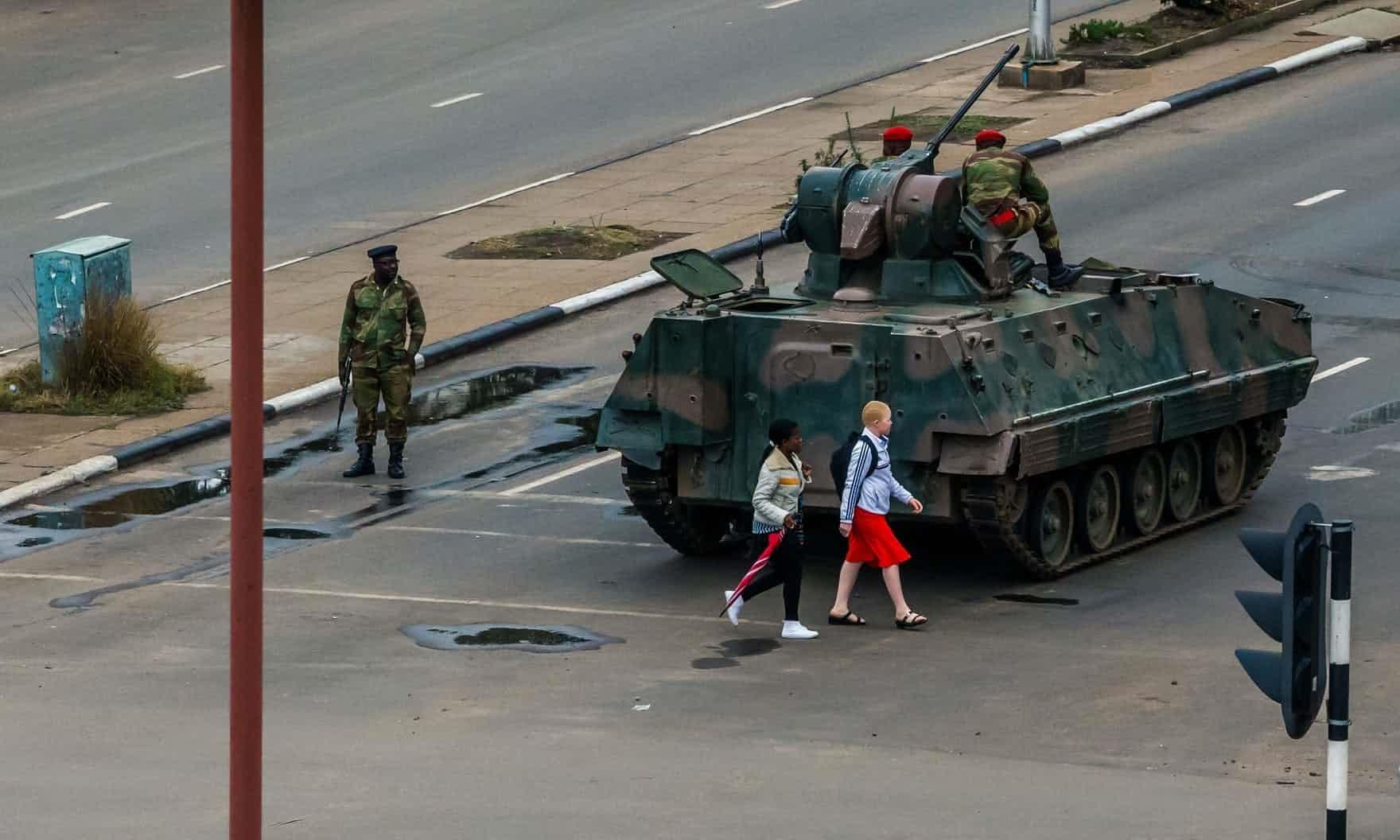 عکس روز: روزهای نظامی زیمبابوه