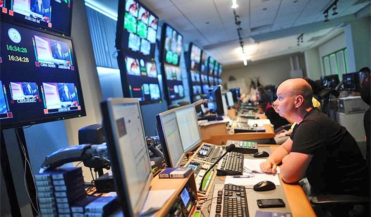 آشنایی با پخش رادیو و تلویزیونی در آمریکا