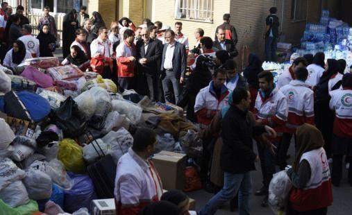 کمکهای هلال احمر به مناطق زلزله زده
