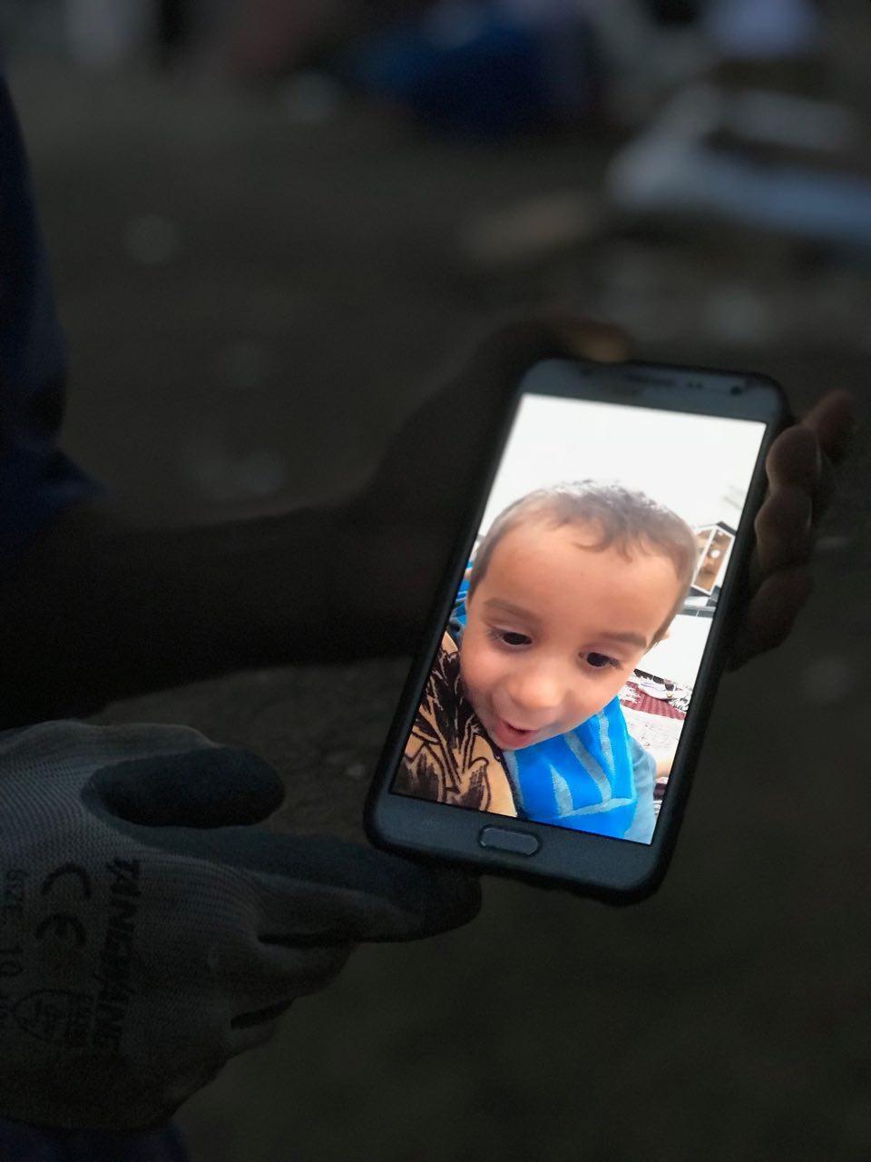 تصاویر خبرنگار اعزامی همشهری آنلاین از مناطق زلزلهزده | نعمت پس از محنت
