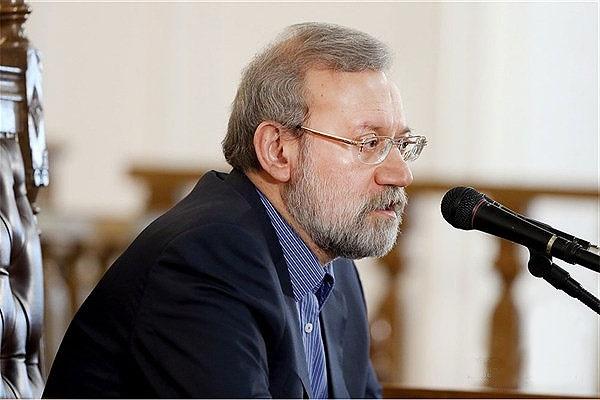 لاریجانی: آنها بین کشورها هراس میآفرینند تا سلاح بفروشند