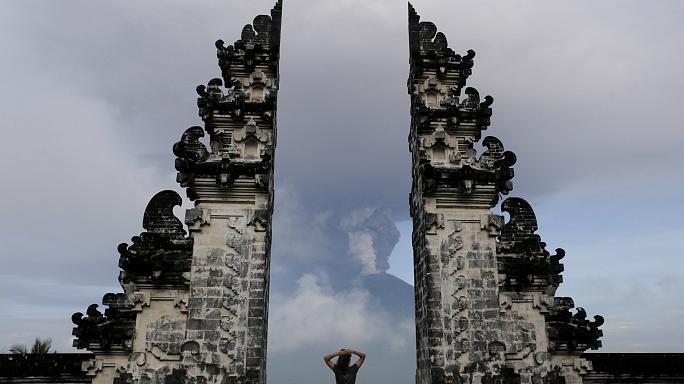 فوران آتشفشان بالی؛ دستور تخلیه ۱۰۰ هزار نفر از منطقه