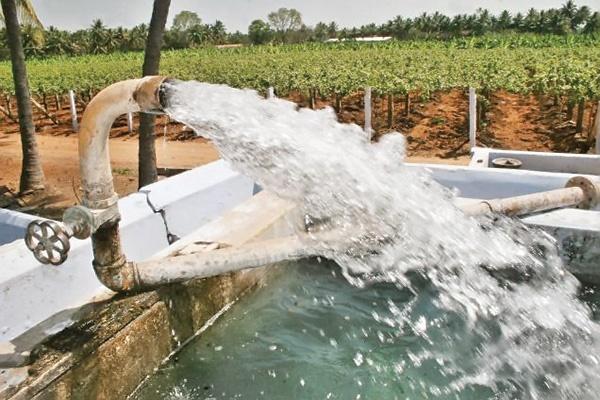 برداشت بیرویه آب از منابع زیرزمینی