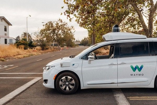 خودروهای گوگل بدون راننده به خیابان میآیند