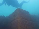 کشف قلعه مرموز ۳هزار ساله در اعماق یک دریاچه