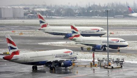 احتمال لغو پروازهای بریتیش ایرویز   طوفان هواپیماها را زمینگیر کرد
