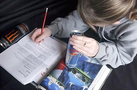 تقاضا برای ممنوع کردن نوشابههای انرژیزا در مدارس انگلیس