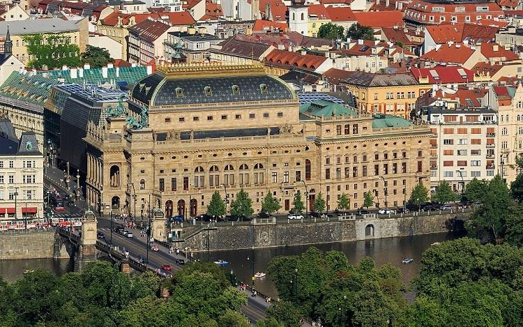 تئاتر ملی پراگ