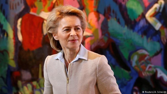 درخواست وزیر دفاع آلمان برای تمدید ماموریت طولانی مدت ارتش این کشور در خارج