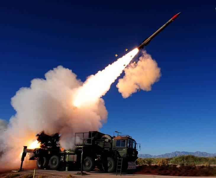 شلیک موشک بالستیک به کاخ الیمامه در ریاض