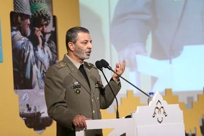 دفاع از نظام اسلامی و مقابله با تهدیدات از اولویتهای ارتش است