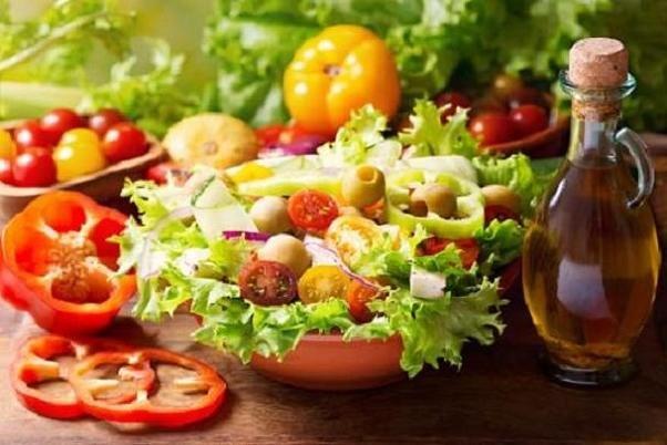 ورزش و رژیم غذایی مدیترانهای موجب کاهش رسوبات چربی میشود