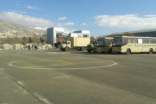 چادرهای امداد و درمان درچند نقطه از مراکز نیروی زمینی ارتش برپا شد