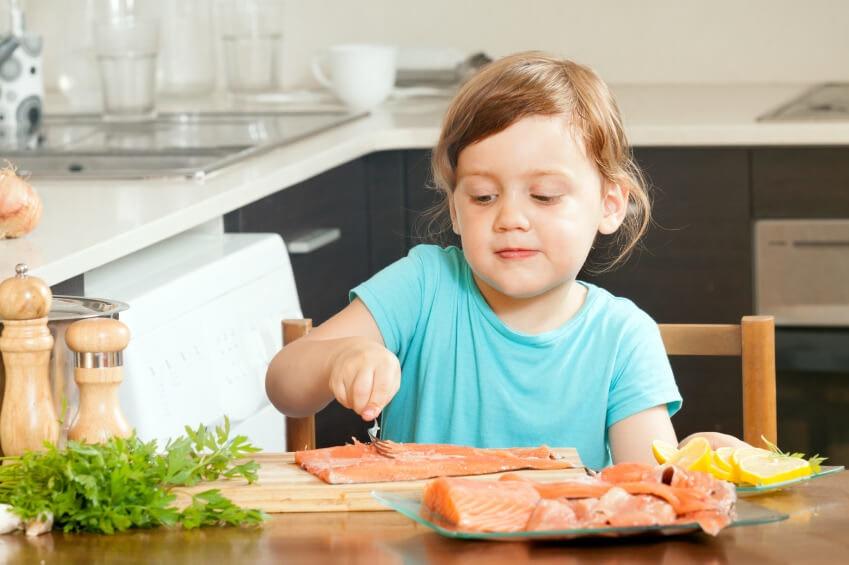 آیا خوردن ماهی کودکان را باهوشتر میکند؟