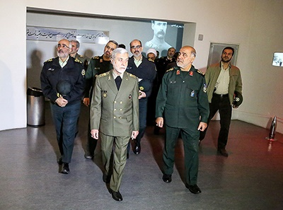 بازدید فرماندهان ارشد نیروهای مسلح از موزه انقلاب اسلامی و دفاع مقدس