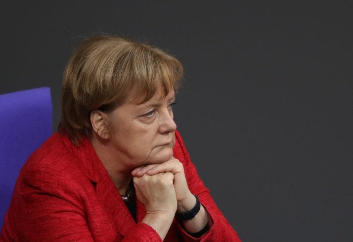 نیمی از مردم آلمان خواهان کناره گیری زودهنگام مرکل هستند