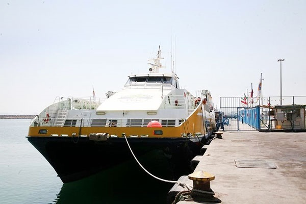 خط کشتیرانی بندرخرمشهر و صحار عمان راه اندازی شد
