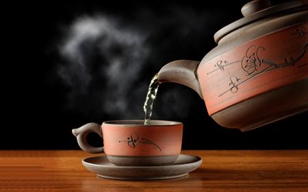 آیا نوشیدن چای داغ واقعاً می تواند خطر آب سیاه چشم را کم کند؟