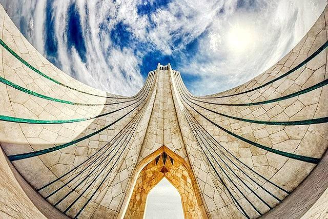 پیشرفت ۸۰ درصدی مرمت محوطه برج آزادی