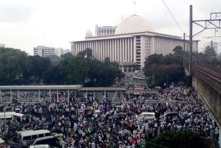 تجمع هزاران اسلامگرای اندونزی در آستانه انتخابات