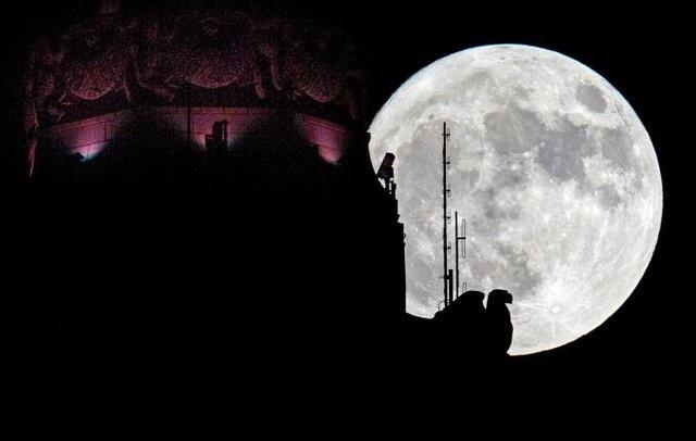 هند به دنبال تامین انرژی از ماه تا ۲۰۳۰