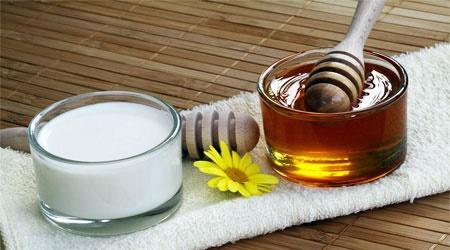 ۷ دلیل خوب برای خوردن شیر و عسل