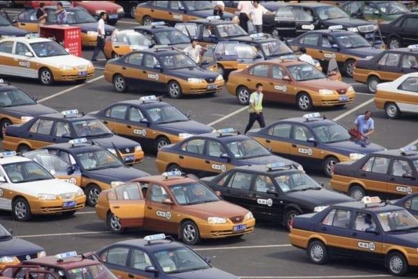 تاکسیهای چین الکتریکی میشوند
