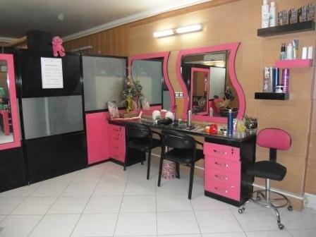فعالیت زیرزمینی برخی آرایشگاههای زنانه در تهران در دوره کرونا   بُکش و خوشگلم کن؟!