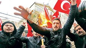 دعوای ترکیه و هلند بر سر صندوقهای رأی