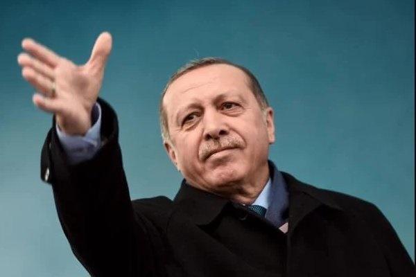 اردوغان: آلمان و هلند با سگ ها و اسب های خود به ما حمله می کنند