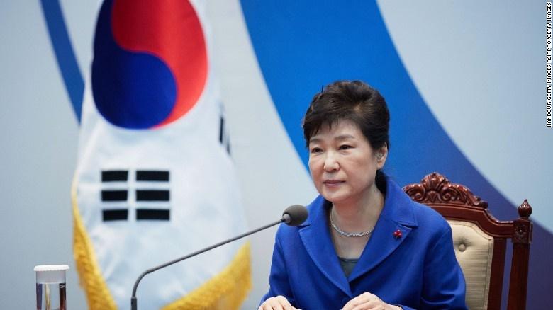 درخواست حکم بازداشت برای رئیس جمهوری برکنار شده کره جنوبی
