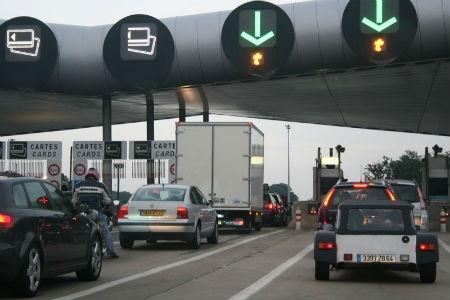 تصویب طرح اخذ عوارض در بزرگراهها و جادههای آلمان | اعتراض اتریش