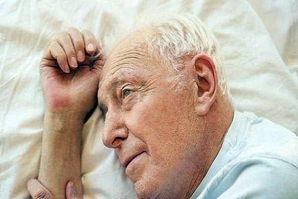 خواب خوب و راحت با افزایش سن دشوار میشود