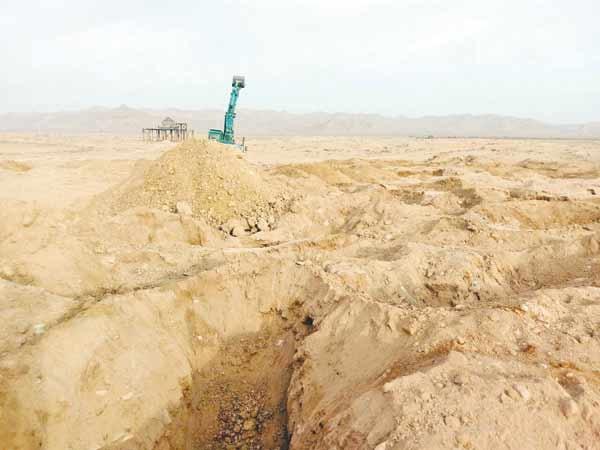 گاز،محوطه باستانی ایلخانی را شخم زد