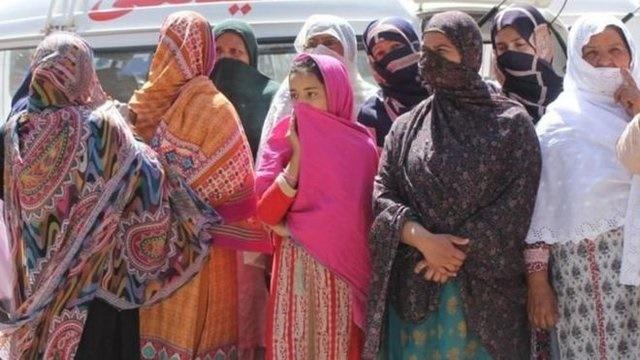 ۲۰ نفر در زیارتگاهی در پاکستان به قتل رسیدند