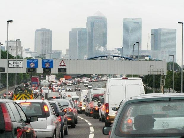۴۰ میلیون انگلیسی در آلودگی هوای غیرمجاز نفس میکشند