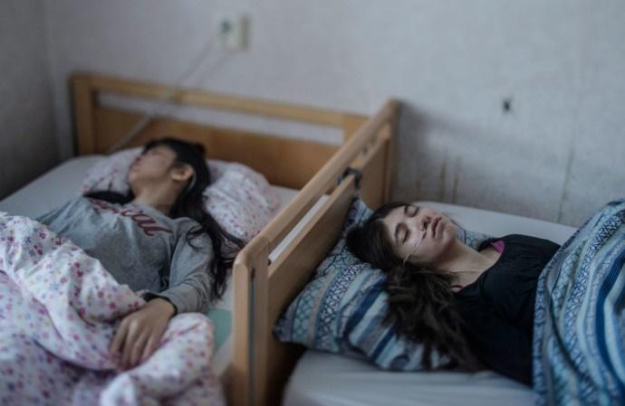 """رواج اختلال عجیب """"سندروم تسلیم"""" در میان کودکان پناهجو در سوئد"""