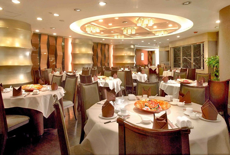 تخلف «حق سرویس» رستورانها را گزارش کنید
