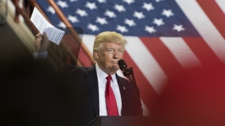 ترامپ: رسانه ها در ۱۰۰ روز نخست دوران ریاست جمهوری ام مردود شدند