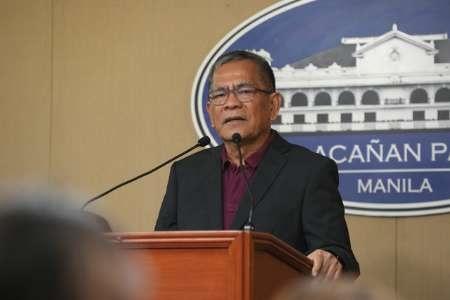 وزیر کشور فیلیپین از کابینه اخراج شد