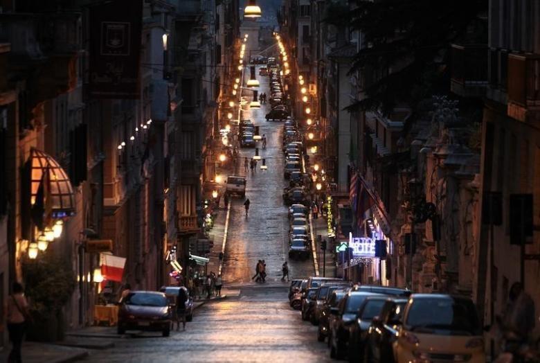 رم با چراغهای کممصرف   LED روشن میشود