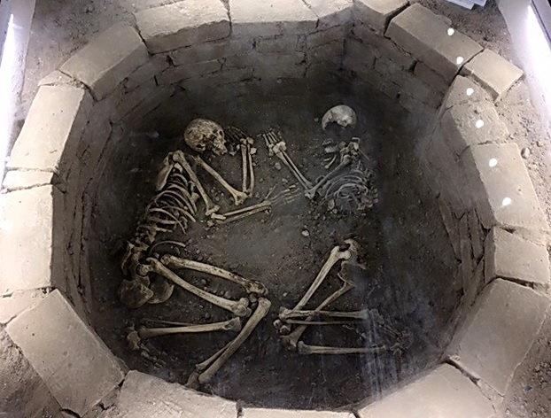 ۵۰۰۰ سال پیش ایرانیها چطور دفن میشدند؟