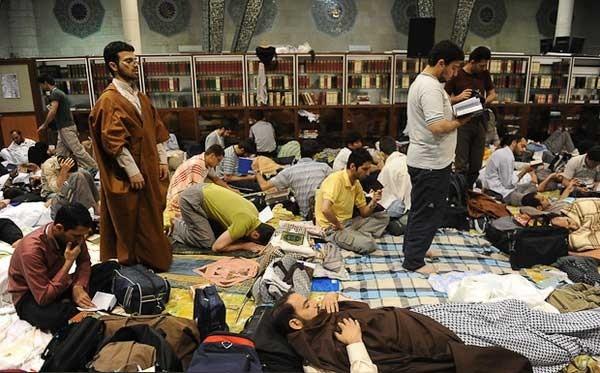 اعتکاف در مسجد دانشگاه تهران