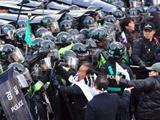 درگیری مردم و پلیس کره جنوبی بر سر استقرار سامانه موشکی تاد آمریکا