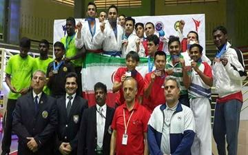 قهرمانی تیم منتخب سبک وادوریو در رقابتهای کاراته بینالمللی مالزی