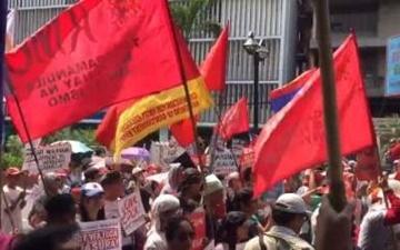 تجمع ضد آمریکایی مردم فیلیپین در مانیل
