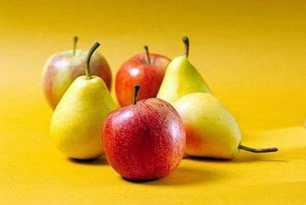 خوردن سیب و گلابی از ابتلا به بیماری ریوی پیشگیری میکند
